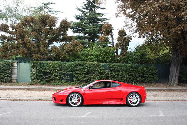 Ferrari_Challenge_Stradale_Neuilly.jpg