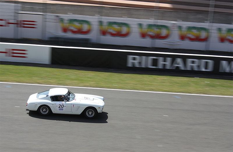 Ferrari-250-GT-Passo-Corto-Le-Mans-Classic.jpg