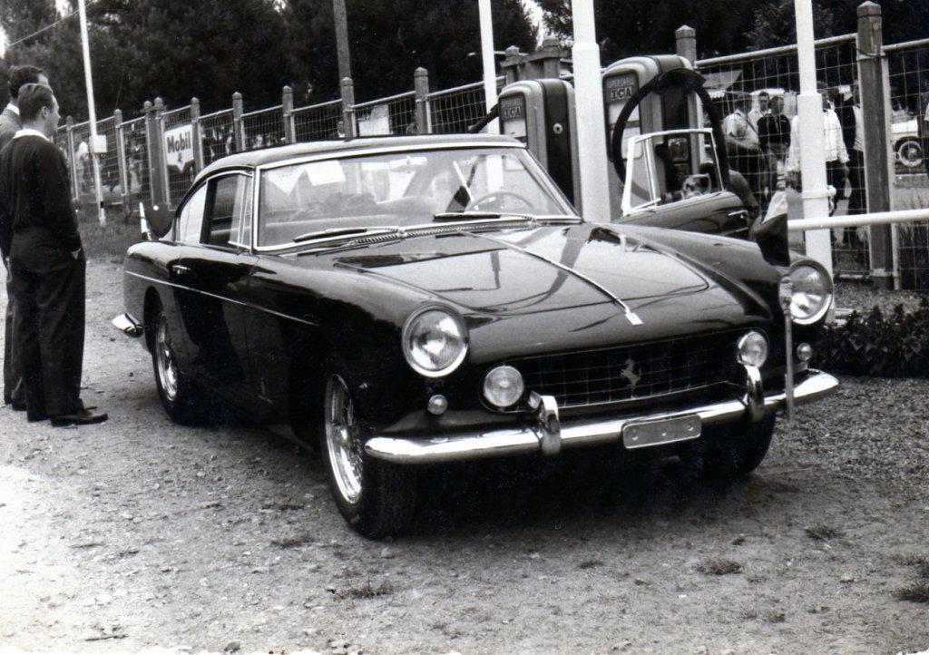 1960 ferrari 250.jpg