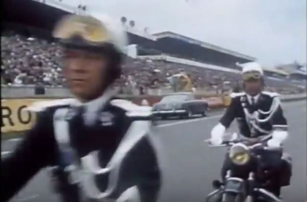 1961 ferrari + gendarmes.JPG