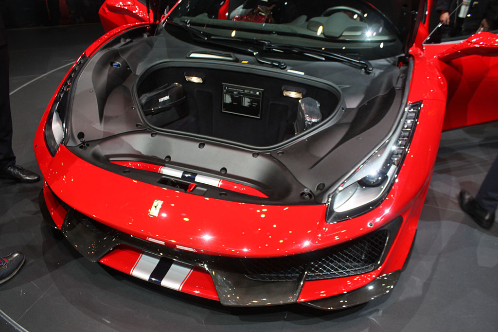 Ferrari-488-Pista-trunk.jpg