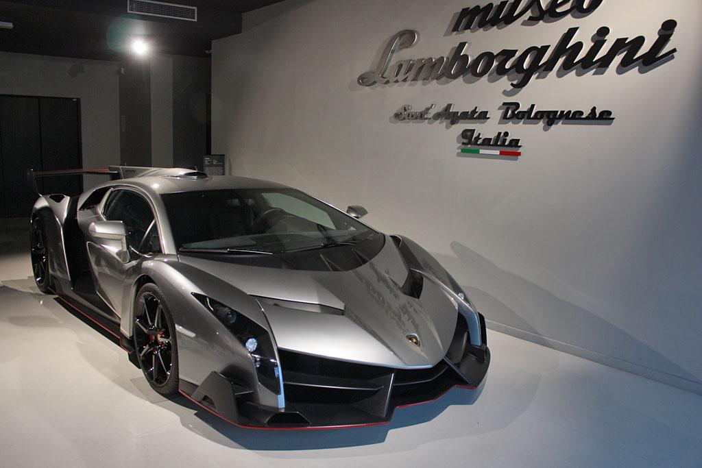 Lamborghini-Veneno-Museum.jpg