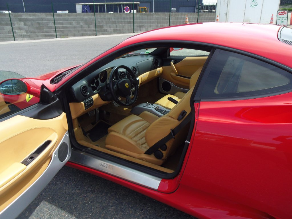 Modena F360 intérieur gauche 1.JPG