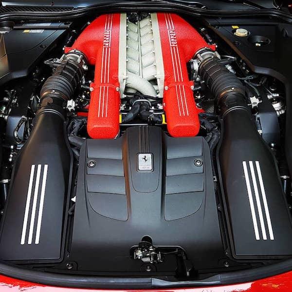 Ferrari-F12-Berlinetta-Motor.jpg