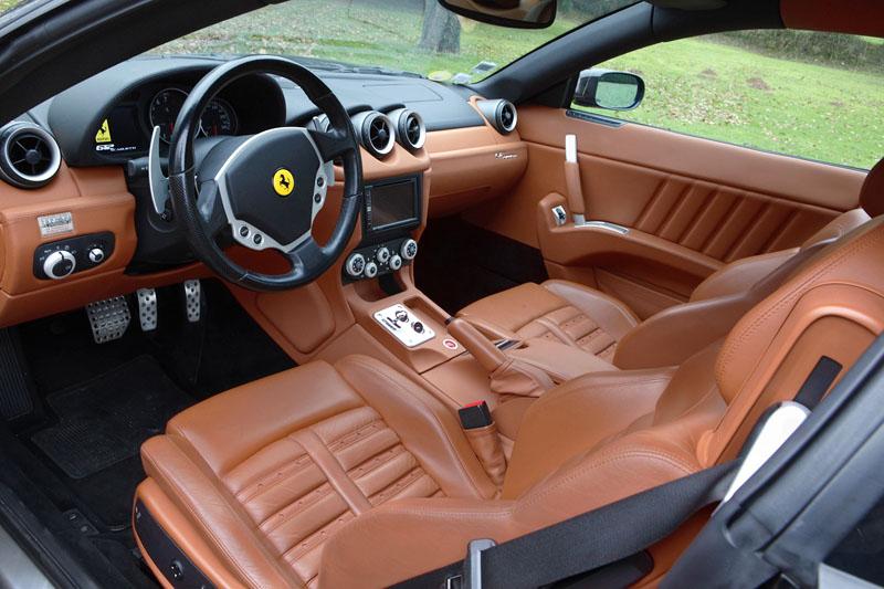 Ferrari-612-Scaglietti-interieur-av.jpg