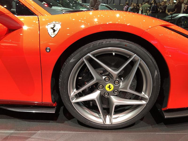 Ferrari-F8-Tributo-diamond-wheels.jpg