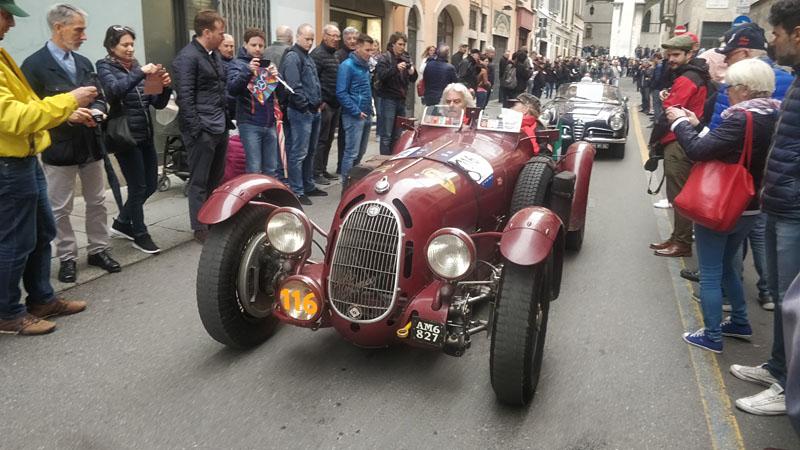 Alfa-Romeo-8C.jpg