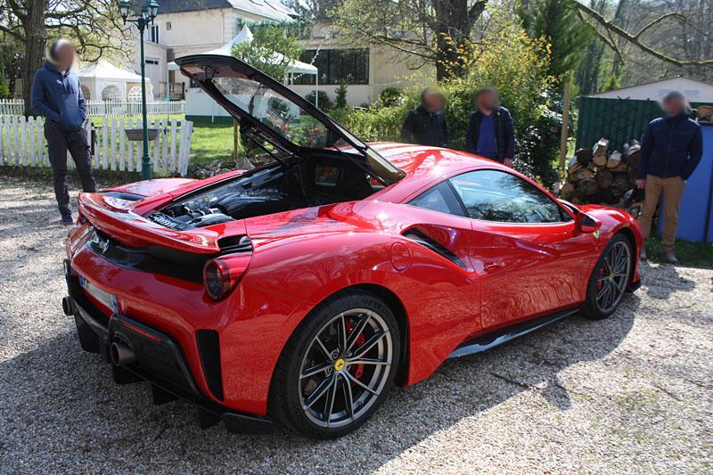 Ferrari-488-PIsta-Coffre-Ouvert.jpg