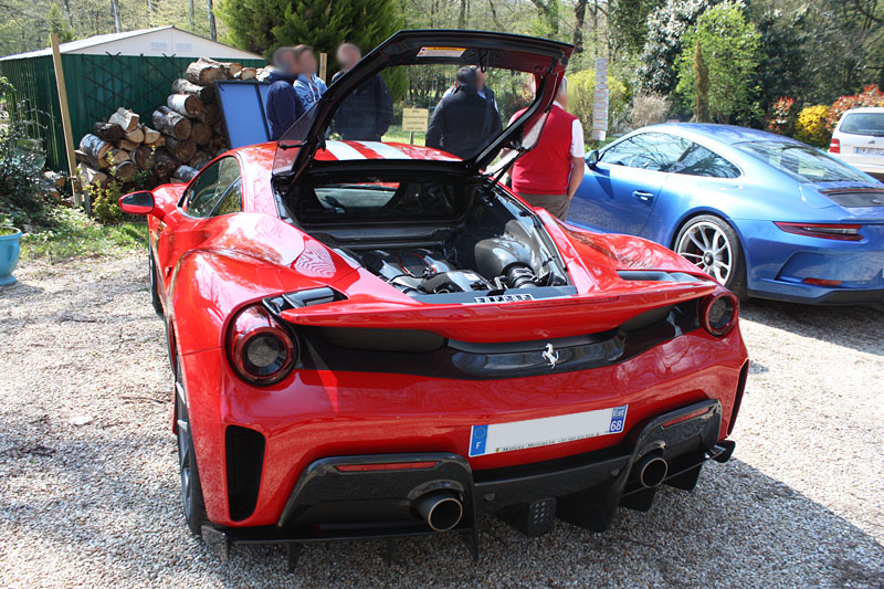 Ferrari-488-Pista-Arriere.jpg