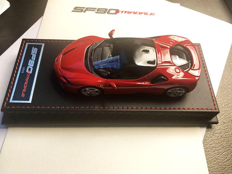 Miniature-Ferrari-SF90.jpg