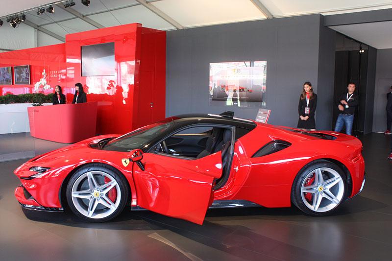 Ferrari-SF90-Stradale.jpg